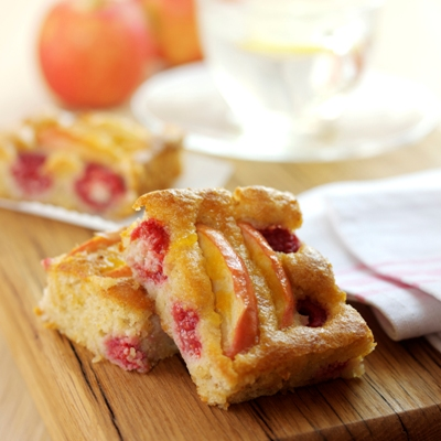 Pink Lady® Apple, Raspberry and Almond Energy Bar